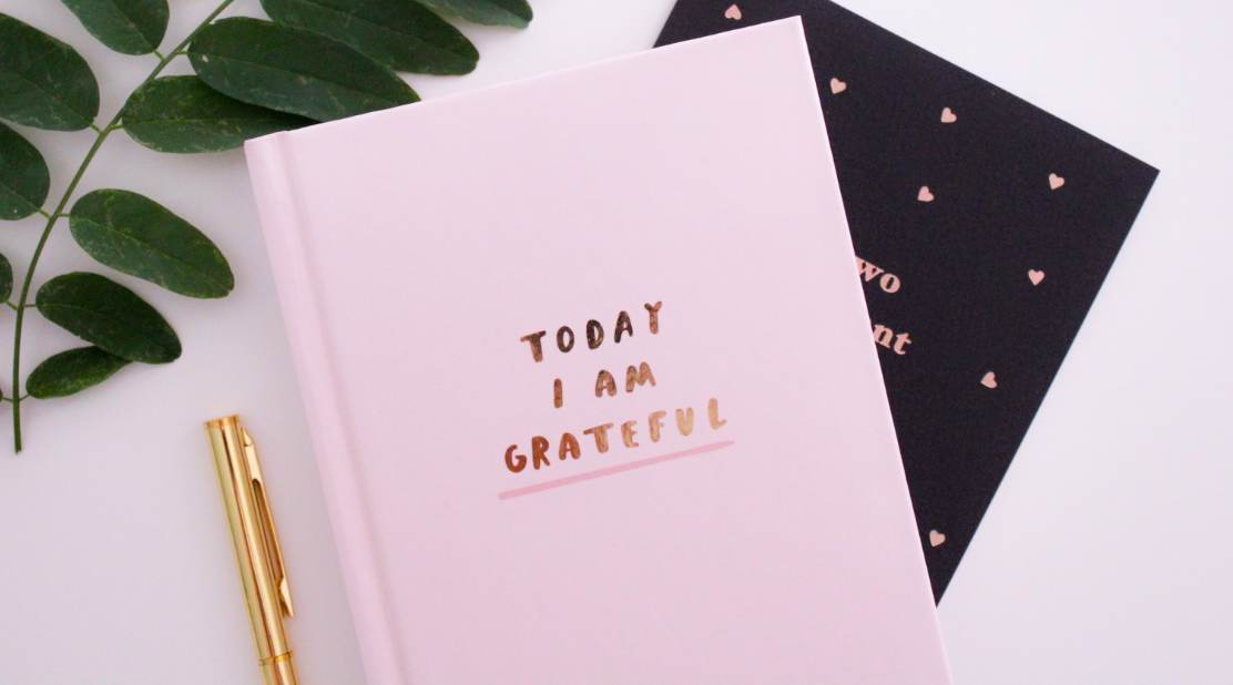 Gratitude diary says 'today I am grateful'